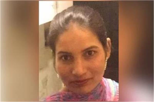 Pics: रहस्यमयी तरीके से हुर्इ इस महिला की मौत, एक हफ्ता पहले हुर्इ थी लापता