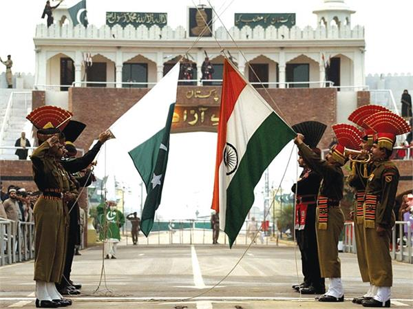 भारत-पाकिस्तान सीमा पर रिट्रीट सेरेमनी का समय बदला
