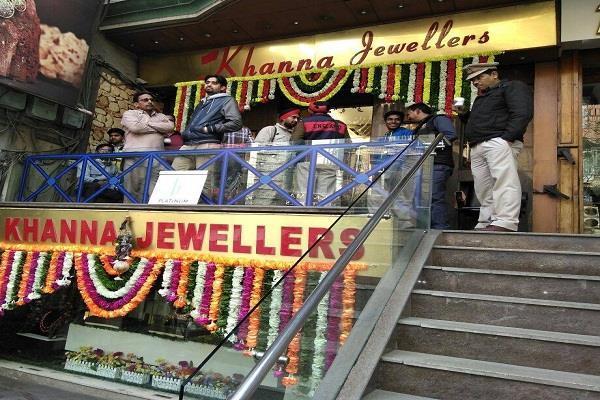 इनकम टैक्स की रेड बाद खन्ना ज्वेलर्स ने सिरेडर किए 15 करोड़ 40 लाख रुपए
