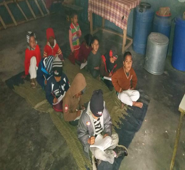 ठंड के प्रकोप के कारण आंगनबाड़ी सैंटरों के बच्चों की जिंदगी खतरे में!