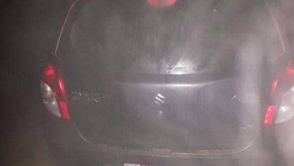 पठानकोटःभारत-पाक बार्डर पर दिखी आल्टो कार, लोगों की फायरिंग पर भागे संदिग्ध