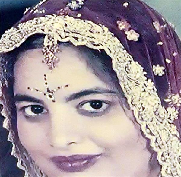 2 बच्चों की मां ने खुद को आग लगा की आत्महत्या