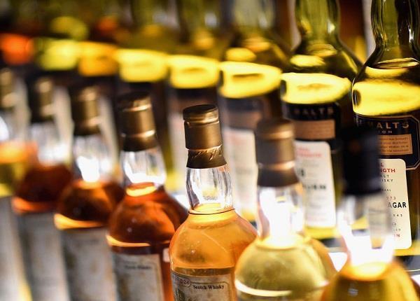 अवैध शराब सहित तस्कर काबू