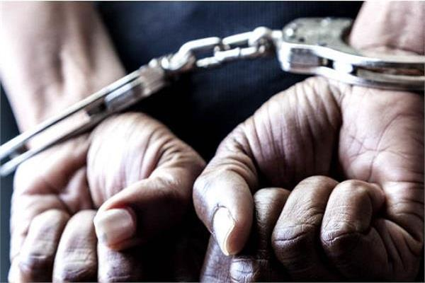 चोरी की बैटरियों सहित 2 गिरफ्तार