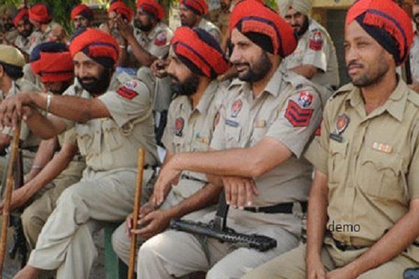 कैप्टन ने अपनी सुरक्षा से 376 पुलिस मुलाजिम हटाए