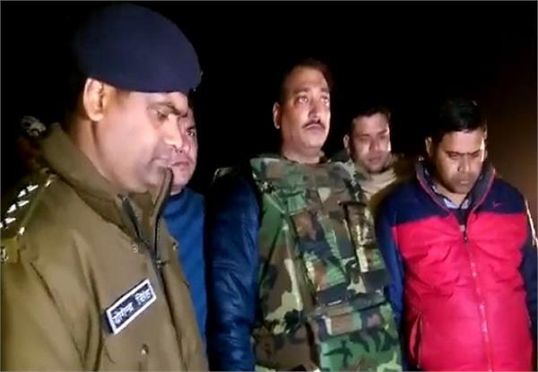 पुलिस मुठभेड़ में 25 हजार इनामी सहित 4 बदमाश गिरफ्तार
