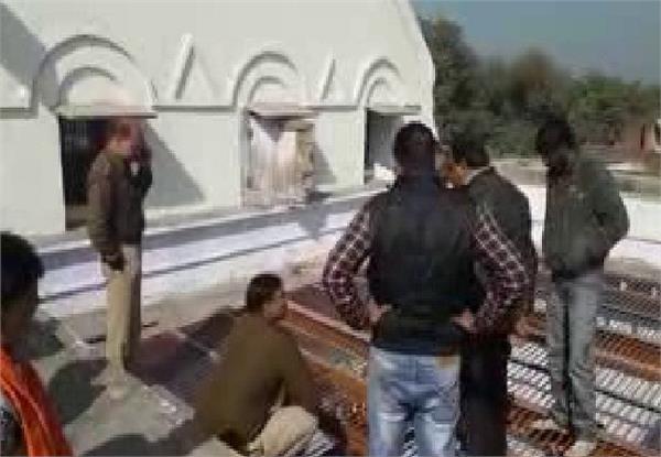 चोरों ने किया मंदिर से करोड़ों रुपए की अष्टधातु से बनी मूर्तियों पर हाथ साफ