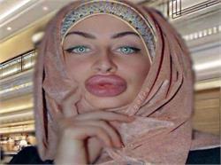 इस महिला के होंठों के दीवाने लाखों हैं  (तस्वीरों में देखिए)