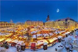 तस्वीरों में देखिए, पूरी दुनिया में Christmas Festival के नजारें