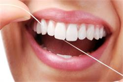 चमकते दांत पाने के कुछ घरेलु उपाय