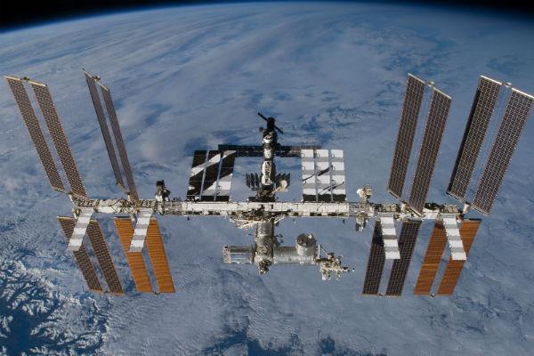 इस व्यक्ति ने इंटरनेशनल स्पेस स्टेशन पर किया फोन, एस्ट्रोनॉट से की बात