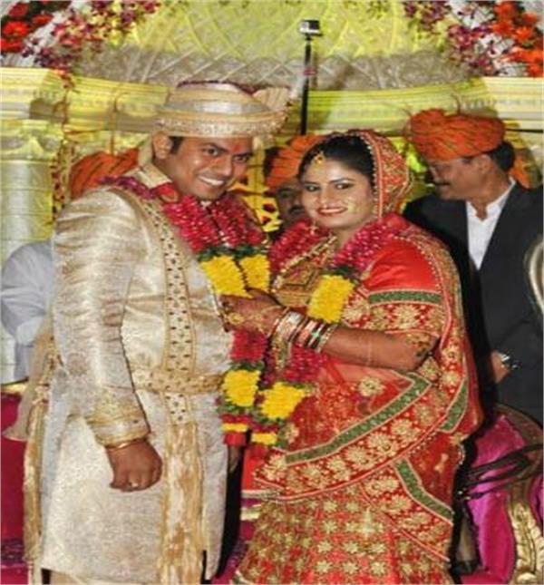 देश की अर्जुन अवार्डी पहलवान ने इंजीनियर के साथ रचाई शादी(Watch Pics)