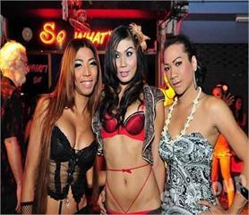 Pics: बार गर्ल से लेकर बॉक्सिंग मैच तक, थाईलैंड में लड़कियों सड़कों पर जीती है ऐसी है Life