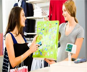 अंडरगारमेंट्स खरीदते समय लड़कियों के दिमाग में चलती हैं ये बातें! (Pix)