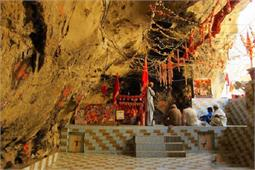 पाकिस्तान में भी हैं हिन्दुओं के प्राचीन मंदिर! (Pics)