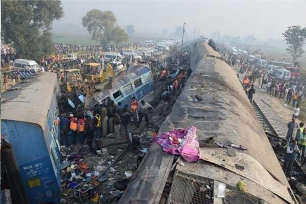 इंदौर-पटना एक्सप्रेस के 78 यात्री ही हैं बीमा के हकदार, IRCTC ने इन आंकड़ों से ऐसे दी सफाई...