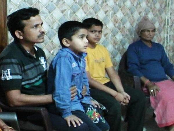 नोट बंदी से देश में दिखा पहला बड़ा इंपैक्ट, परिवार वालों ने PM मोदी का किया शुक्रिया