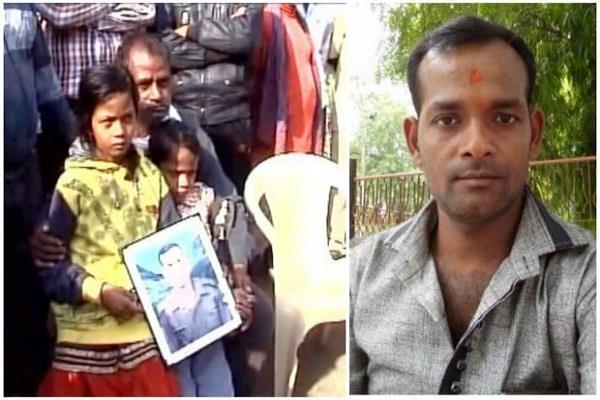 नम आंखों से वीर शहीदों की राह तक रहा है गाजीपुर