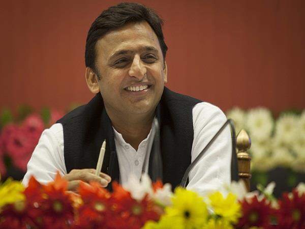 CM अखिलेश ने की तीन शहीद जवानों के आश्रितों को 25-25 लाख की आर्थिक सहायता देने की घोषणा
