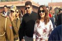 माधुरी ने किया ताज का दीदार, एक झलक पाने के लिए फैंस की लगी भीड़