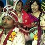 चर्चा बनी ये अनाेखी शादीः देशी छाेरे ने जापानी दुल्हन संग रचाई शादी!(Pics)