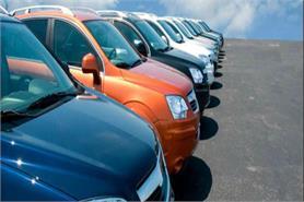 ऑटोमोबाइल बाजार पर नोटबंदी की मार, वाहनों की बिक्री गिरी
