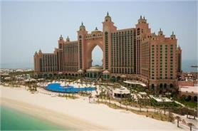 समुद्र के बीचो-बीच है दुबई का यह शानदार होटल, तस्वीरों में देखेें नजारें