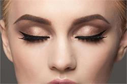 Graphic eye makeup आईलाइन से एेसे दें आंखों को ग्लैमरस लुक! (pics)