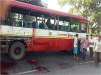 मेरठ:  बस और ट्रक की भीषण टक्कर, 5 की मौत 3 घायल