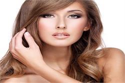 खूबसूरत त्वचा पाने के लिए अपनाएं प्राकृतिक औषधीय गुणों वाला चंदन का लेप (pics)