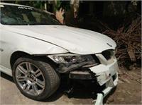 रईसजादों की बेकाबू BMW कार ने 4 को कुचला... 1 की मौत, ड्राइवर अभी तक फरार (Pics)