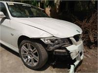 भयानक हादसा: रईसजादों की बेकाबू BMW कार ने 4 को कुचला (Pics)