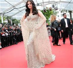 फैशन डिजाइनर अली की ड्रैस में ऐश्वर्या दिखीं हॉट (देखें तस्वीरें)