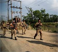 CRPF बस पर हुए आतंकी हमले में 8 जवान शहीद, घरों में छाया मातम (Pics)