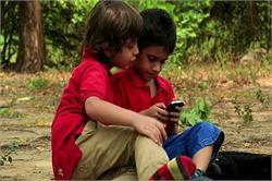 बच्चे मोबाइल का करते हैं ज्यादा इस्तेमाल तो हो जाएं सावधान(Pics)