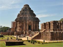 बड़ा ही रहस्यमयी है भारत का यह मंदिर, जाने रहस्य!(Pics)