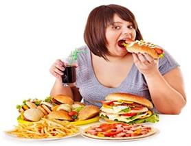 बिना वजह खाना खाने की बजाएं यूं बनाएं टाइम टेबल (Pics)