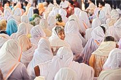 विधवा अौरतों का गांव, जहां एक भी मर्द नहीं!(देखिए तस्वीरें)