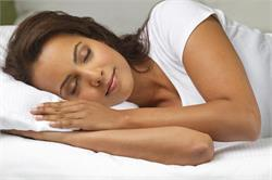 रात को ब्रा पहनकर सोने के नुकसान