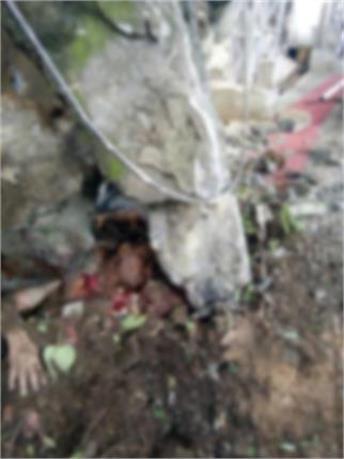 वैष्णो देवी में चट्टान गिरने से हादसा, कई लोगों के दबे होने की आशंका(Photos)