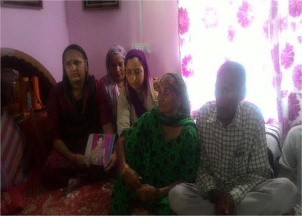उड़ी आतंकी हमला: घरवालों को नहीं पता कहां, किस हाल में है उनका बेटा जसवंत (PICS)