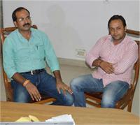 CBI की टीम ने 10 लाख की रिश्वत लेते इंस्पेक्टर को किया रंगे हाथों गिरफ्तार (Pics)