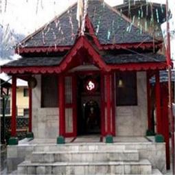 एक एेसा मंदिर, जहां जाने से डरते हैं लोग! (Pics)