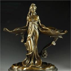 कांस्य की मूर्तियों को इस तरह चमकाएं! (pics)