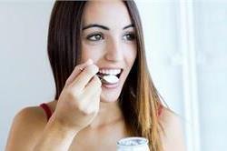 जोड़ों के दर्द में खाएं एक कटोरी दहीं, मिलेगे कई फायदे