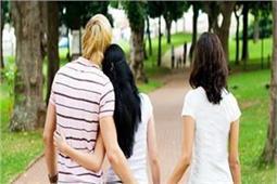 धोखेबाज पति के साथ ही क्यों रहती है पत्नी, जानिए 7 कारण