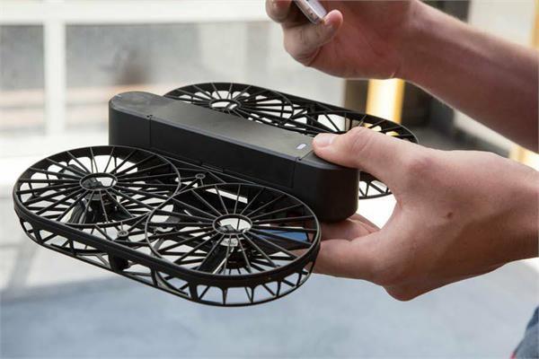 घर पर बेहतरीन सैल्फीज को क्लिक करेगा MOMENT DRONE