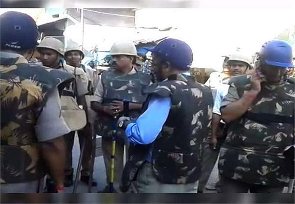 साइकिल-बाइक की टक्कर के बाद बलिया में हिंसक झड़प, 20 लोग गिरफ्तार