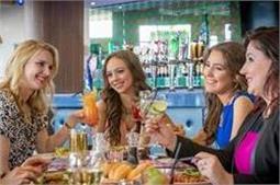 चीन के इन 2 रेस्टारेंट में महिलाओं को खाने में मिलता है Discount