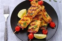 अब बाजार से खाने की जगह घर पर बनाएं Tawa Paneer Tikka